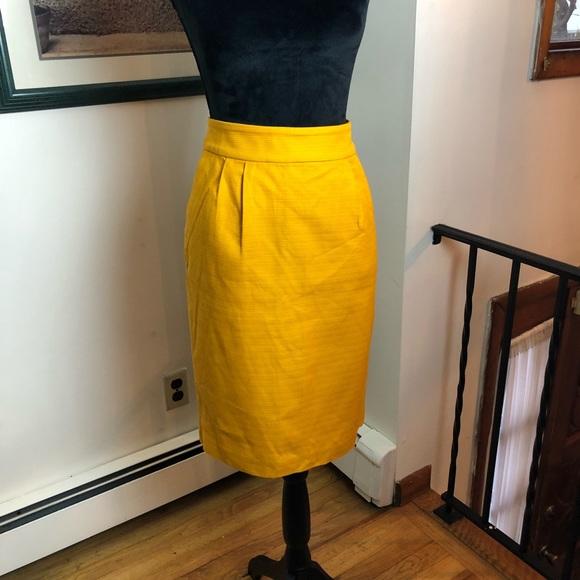 54a5caa3e7 Banana Republic Dresses & Skirts - Banana Republic Women's Yellow Textured  Skirt